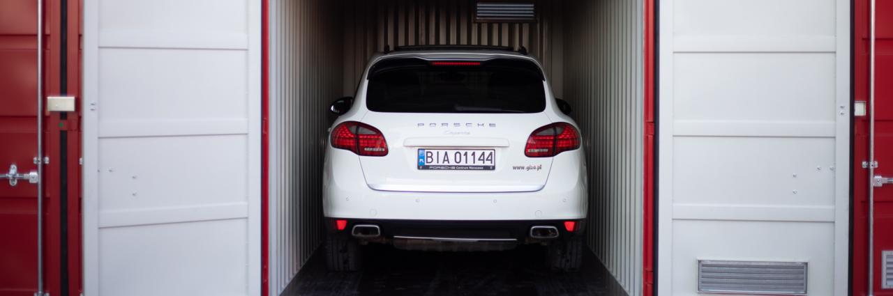 Przechowywanie samochodu w magazynie